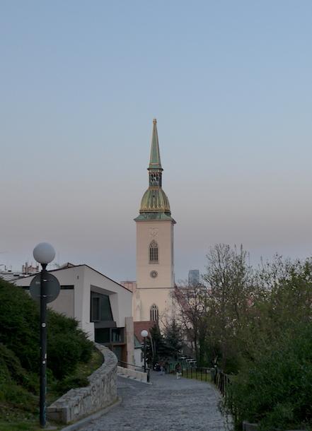 Вид на собор Святого Мартина в Братиславе