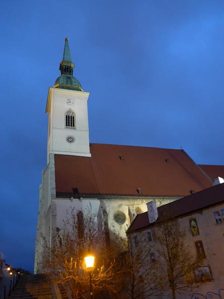Собор Святого Мартина вечером