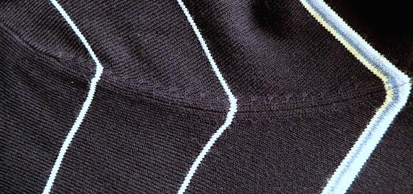 Фрагмент свитера Marks & Spencer