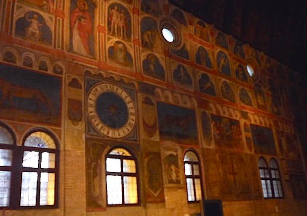 Палаццо Раджоне - фрески