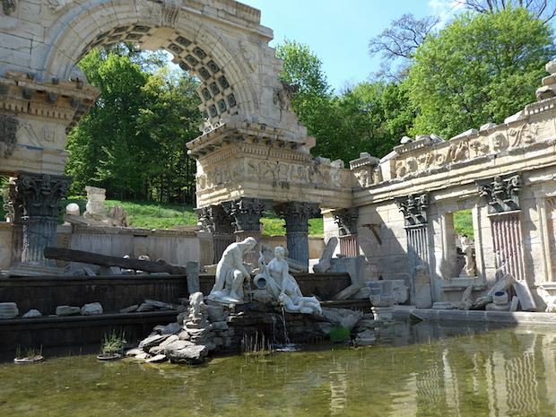Roman-ruins-Schonbrunn2