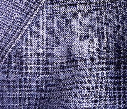 Совмещение орнамента на груди пиджака