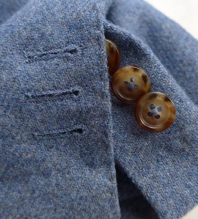 Рабочие манжеты на твидовом пиджаке