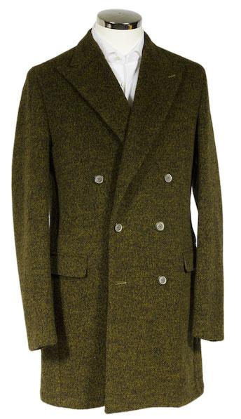 зеленое мужское пальто