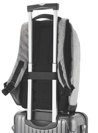 рюкзак с креплением к чемодану