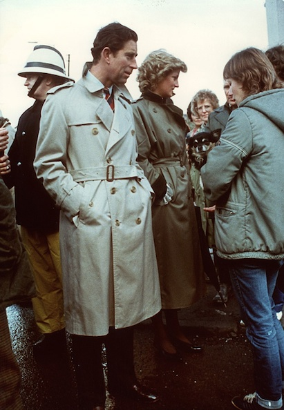 Принц Чарльз в тренчкоте Burberry