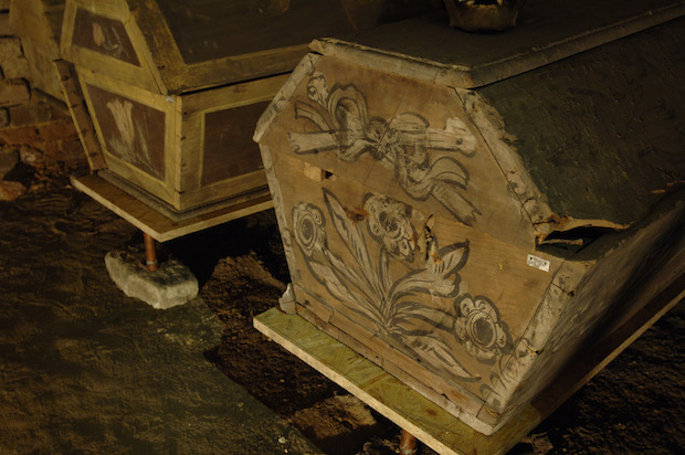 Гробы в крипте церкви Михаэлеркирхе