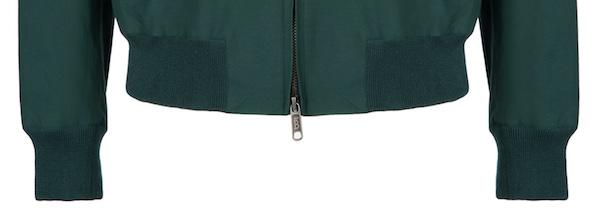 Эластичные резинки на куртке Baracuta