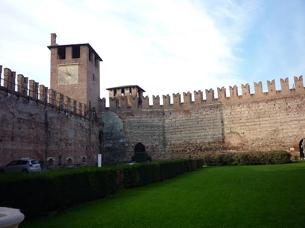 Замок Кастельвеккьо в Вероне