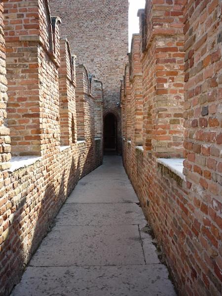 Стена Кастельвеккьо