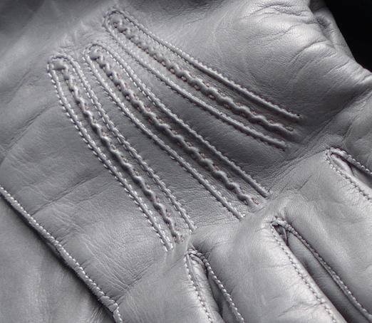 фрагмент перчаток