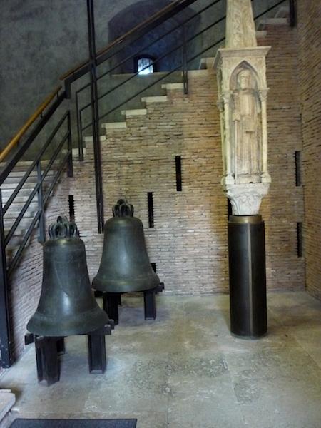 колокол в замке Кастельвеккьо