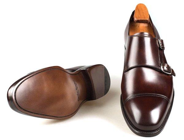 неброская патина на туфлях