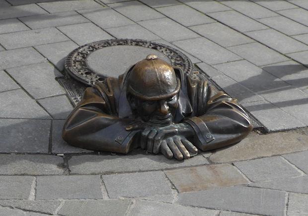 уличная скульптура в Братиславе