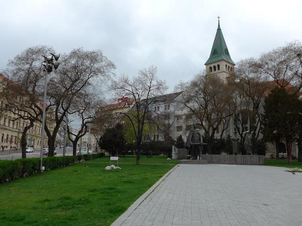 площадь SNP в Братиславе