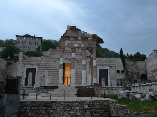 римский храм в Брешиа