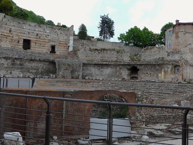 римский театр в Брешии