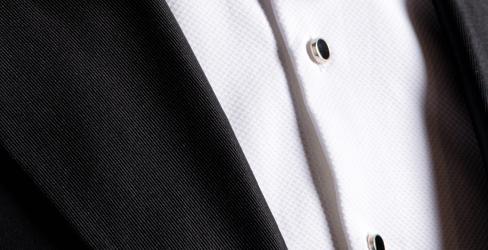 планка на вечерней рубашке