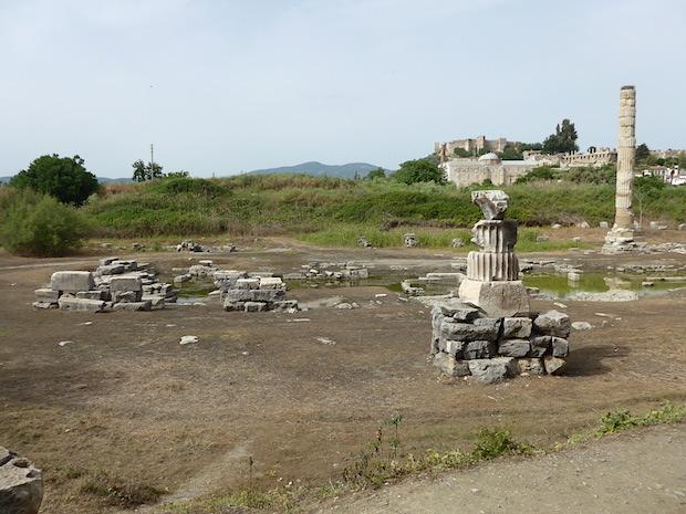 храм Артемиды возле Эфеса