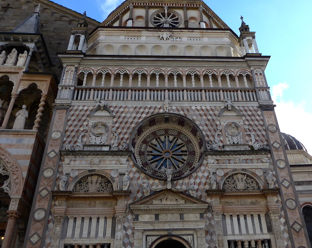 фасад капеллы Коллеони
