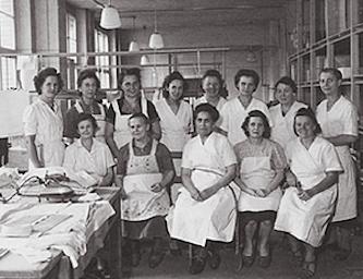 сотрудники ван Лаак - старое фото