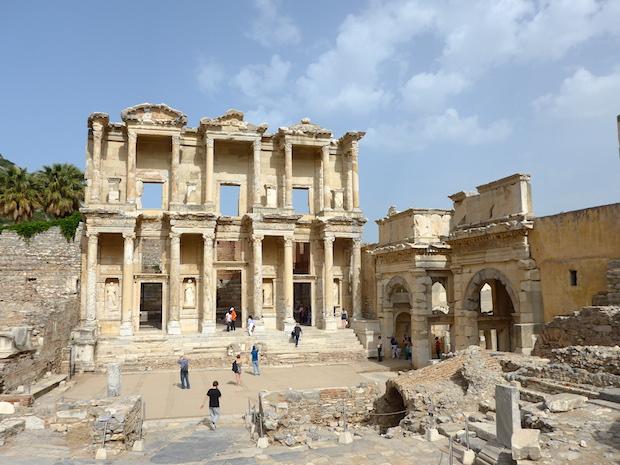 Эфес мрамор библиотека