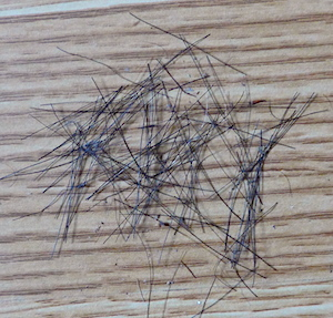 волоски на полу