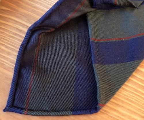 рулик на галстуке