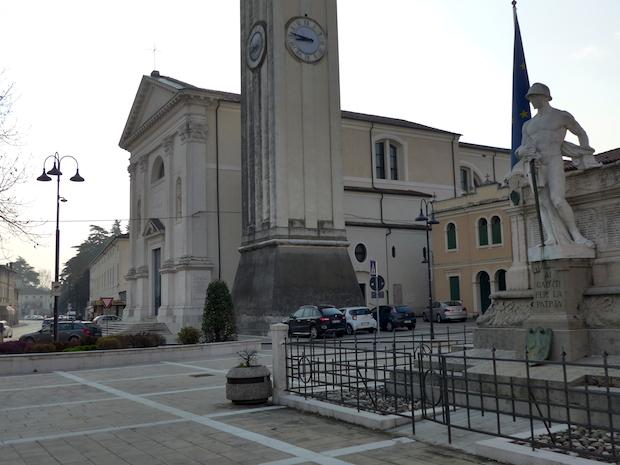 церковь в Галльере