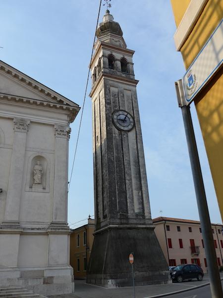 колокольня при церкви