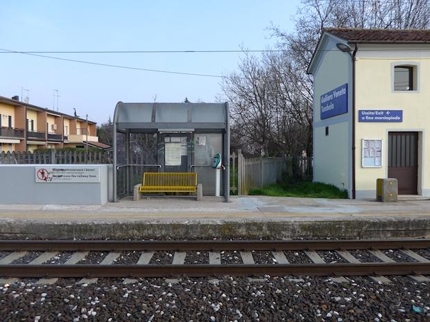 маленькая жд станция в Италии