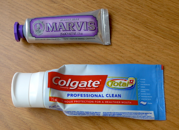 зубные пасты Marvis и Colgate Total