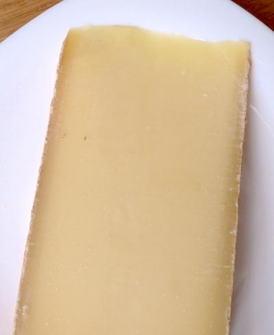твердый сыр из Австрии