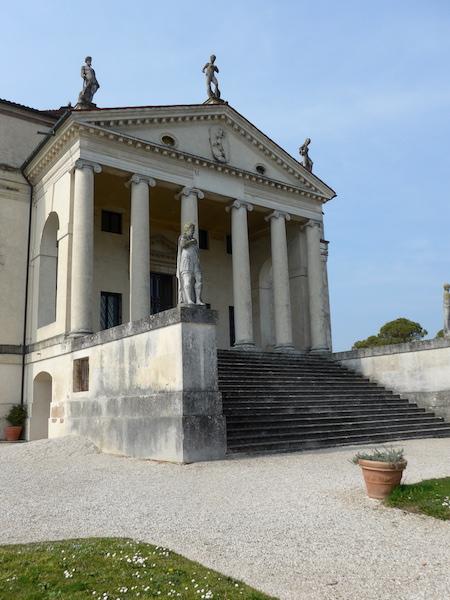 фасад Ротонды в Виченце