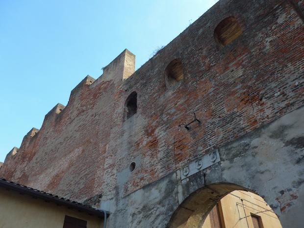 стена Кастельфранко