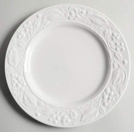 винтажная белая тарелка