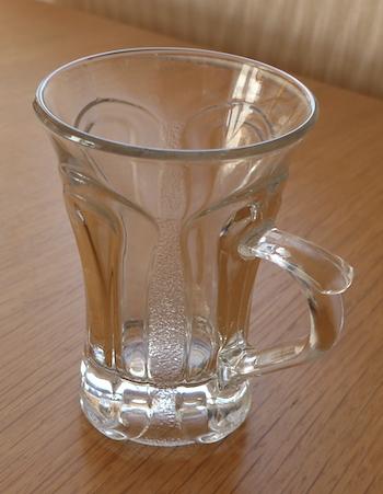 стакан с ручкой