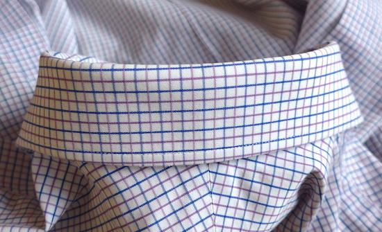 воротник рубашки на сгибе