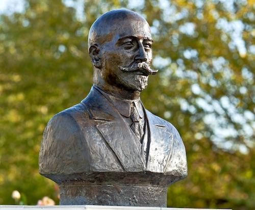 основатель кизлярского коньячного завода